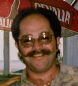Mustaschen omkring 1990